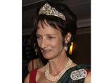 Герцогиня Аргайл, потерявшая в аэропоту Глазго ювелирные украшения, обнаружила одно из них в каталоге одного из аукционов, опубликованном после продажи лотов