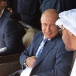 Владимир Путин на Международном авиационно-космическом салоне МАКС-2015. Справа — наследный принц Абу-Даби Мухаммед Аль Нахайян, слева — король Иордании Абдалла II