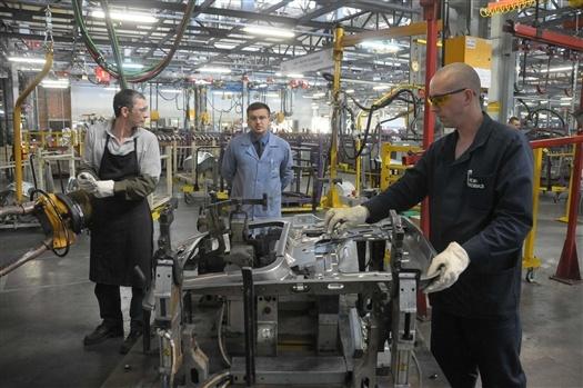 Работникам АвтоВАЗа с 1 июля проиндексируют зарплату на 6%