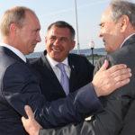 В 2007-м году именно Путин переподписывал договор с Татарстаном, и это всех устроило! После этого был экономический рост, хорошие отношения республики с федеральным центром
