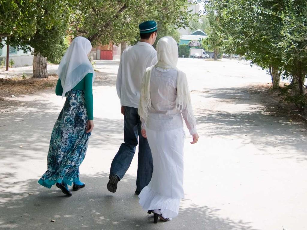 polygamy01_b