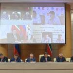 Высокопоставленные чиновники из Москвы в здании кабинета министров РТ обсуждали причины автокатастрофы под Заинском