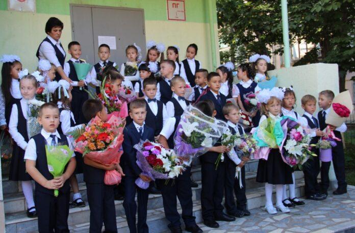 """В школе """"Яктылык"""" начался новый учебный год."""